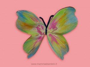 Lavoretti per la festa della mamma: farfalle