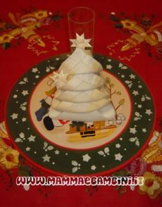 Piegare tovaglioli per Natale: albero di Natale n.3