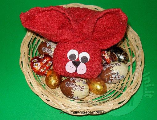 Idee lavoretti Pasqua: coniglio con asciugamano n.2