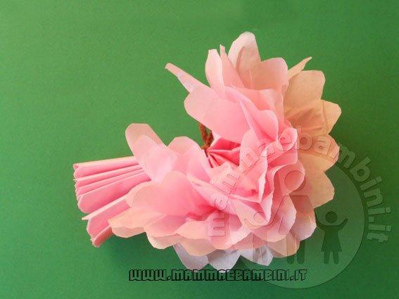 Fiori di carta crespa: come fare una dalia fiore di cactus
