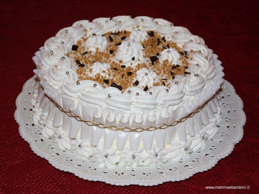 foto torta con panna mamma e bambini
