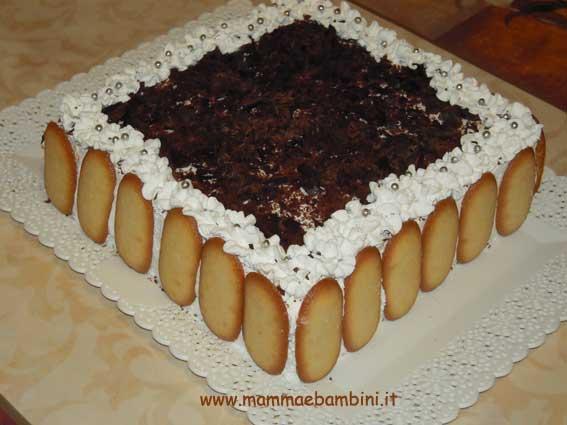 Decorazione torta millefoglie mamma e bambini for Decorazione torte con wafer
