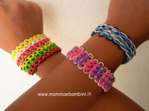 Loom Bands come realizzare bracciale triplo lungo con elastici
