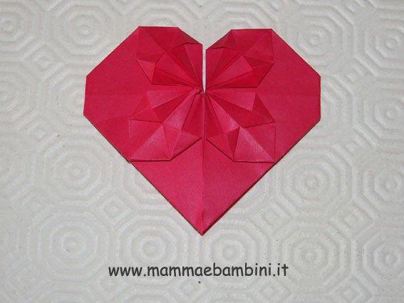 Come realizzare cuore di carta 3D
