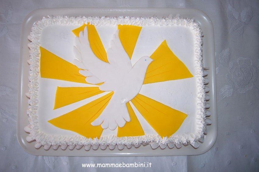 Idea decorazione per torta Cresima