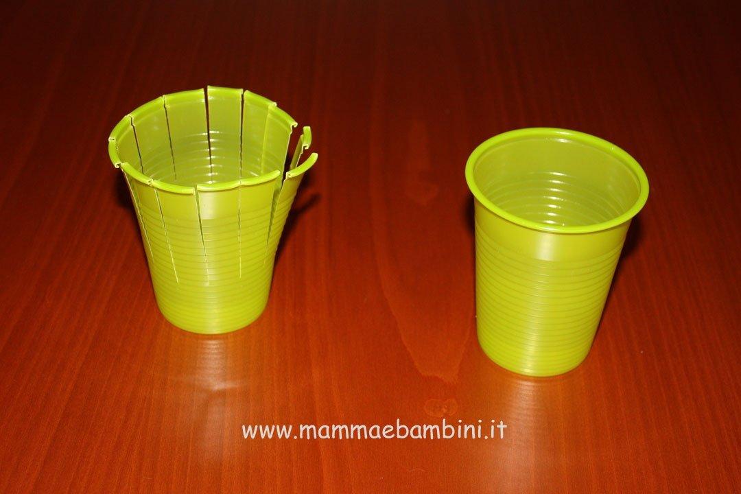 Decorazioni con bicchieri di plastica mamma e bambini for Sfere con bicchieri di plastica
