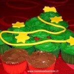 Albero di Natale con i cupcakes
