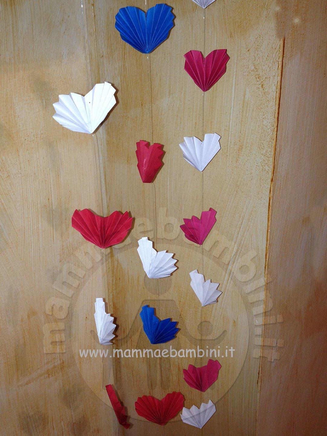Decorazioni da appendere con cuoricini mamma e bambini for Decorazioni da appendere al soffitto