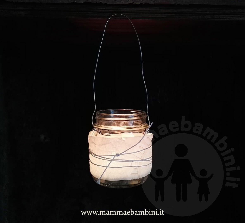 Realizzare lanterne con barattoli