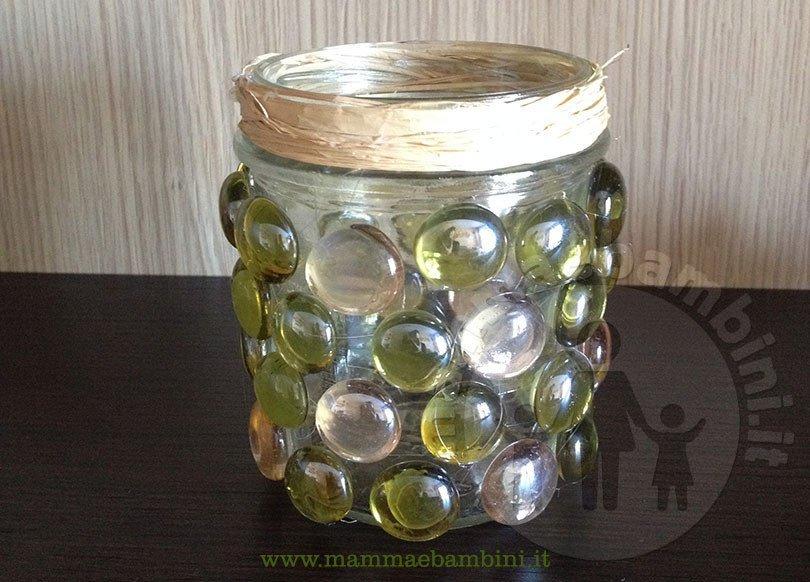 Vasi decorativi con sassi di vetro fai da te mamma e bambini for Vasi decorativi da interno