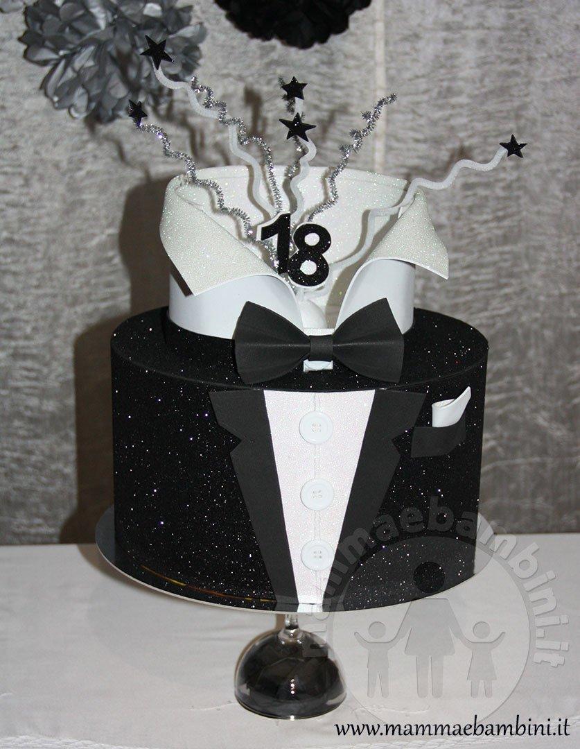 Torta Smoking 18 Anni Finta Mamma E Bambini