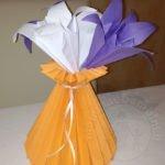 Vaso di carta a pieghe