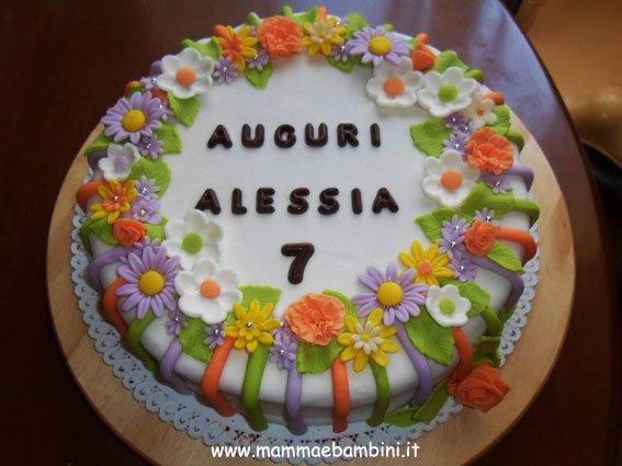 Torta decorata con fiori mamma e bambini - Decorazioni per torte di carnevale ...