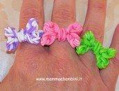 Video anello a fiocco con elastici