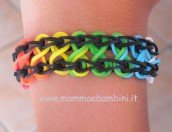 Video braccialetto con elastici color arcobaleno