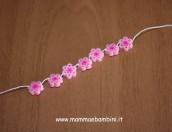 Bracciale con fiori di perline Hama