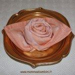 Piegare tovaglioli come rosa