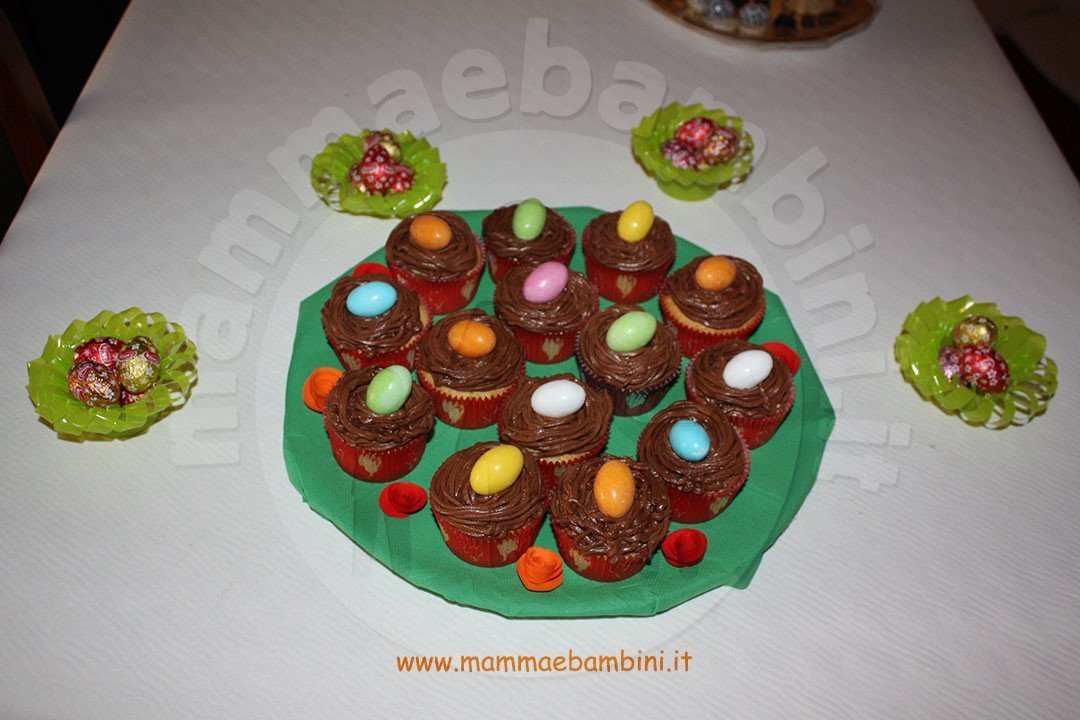 Cupcakes decorati come nidi di uccelli 01