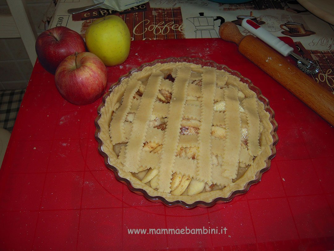Ricetta crostata di mele facile 02