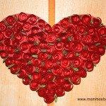 Cuore con roselline di carta da appendere
