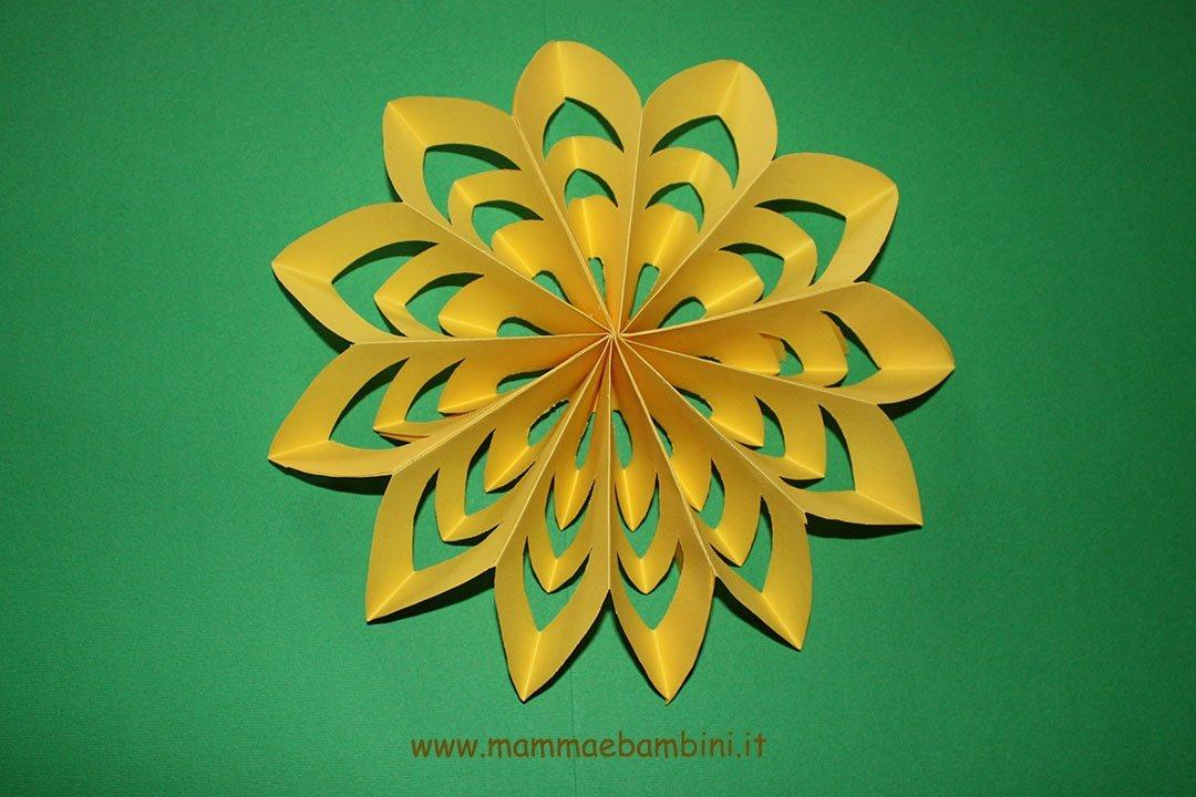 Come fare fiori semplici di carta  (19)