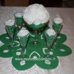 Decorare la tavola con centrotavola di fiori di carta