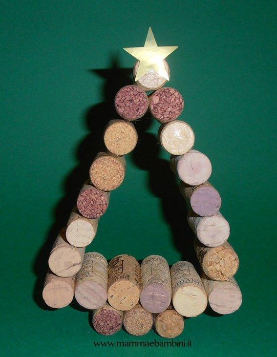 Lavoretti Di Natale Tappi Sughero.Lavoretti Natale Con Tappi In Sughero Mamma E Bambini