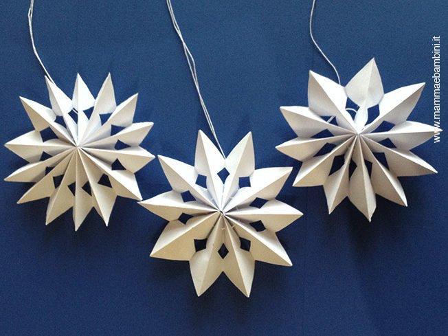 Realizzare festone con stelle di Natale