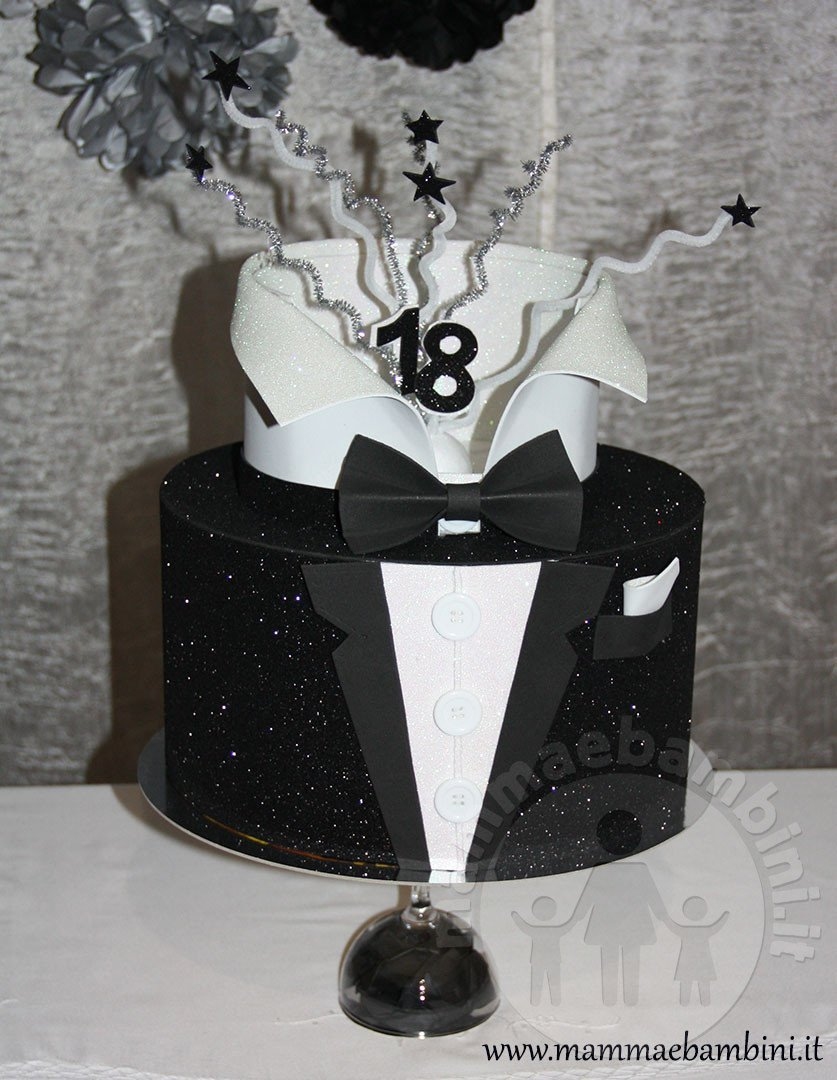 Torta smoking 18 anni finta