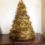 Lavoretto natalizio semplice a forma di albero