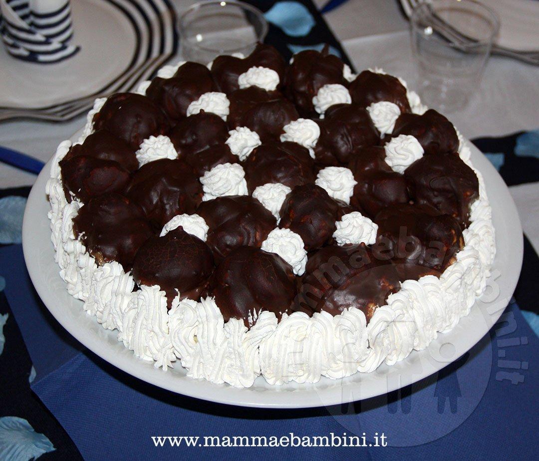 Come preparare una torta con i bign?