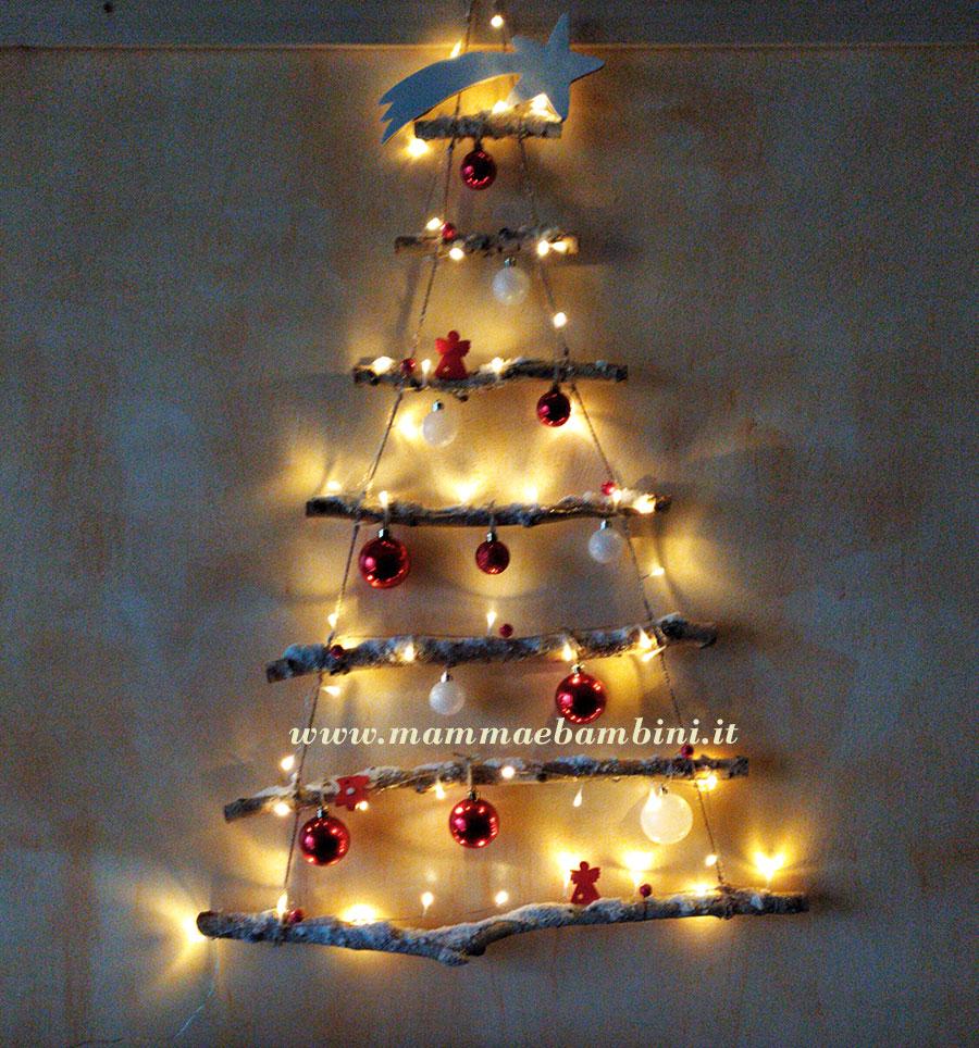 Albero natalizio con rami